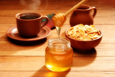 bigstockphoto_Healthy_Breakfast_With_Honey_2191149-400-x-267